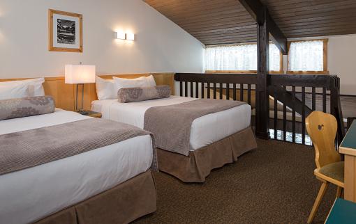 One Bedroom Loft Apartment 1 Queen & 2 Doubles