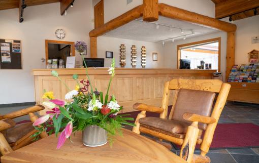 Canmore Ski Lodge - Lobby