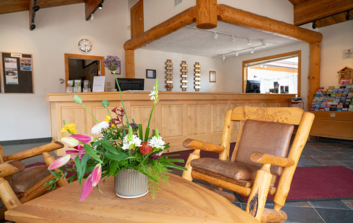 Canmore Ski Lodge - Lobby